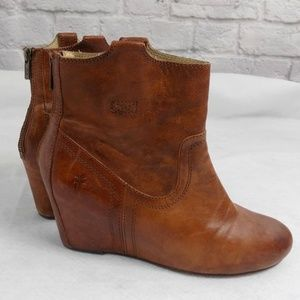 Frye Hidden Wedge Natural Leather Carson Bootie